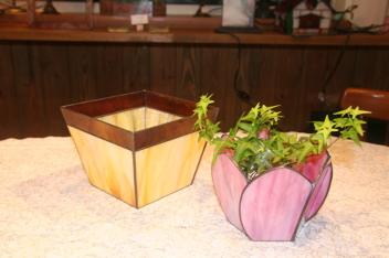 ステンドグラスの鉢カバー